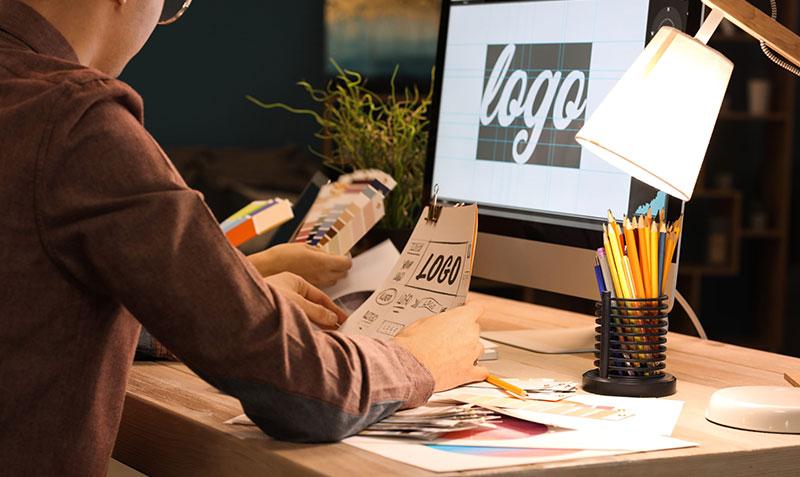 Projektowanie logotypów